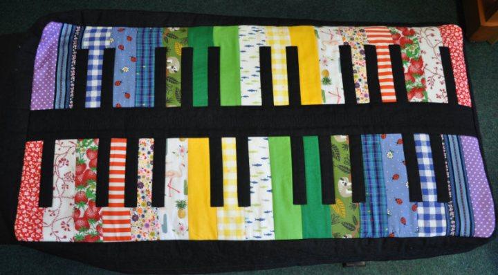 Klavierhockerbezug09klein